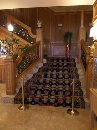 H·TOP Amaika: Stairs In Bar Area