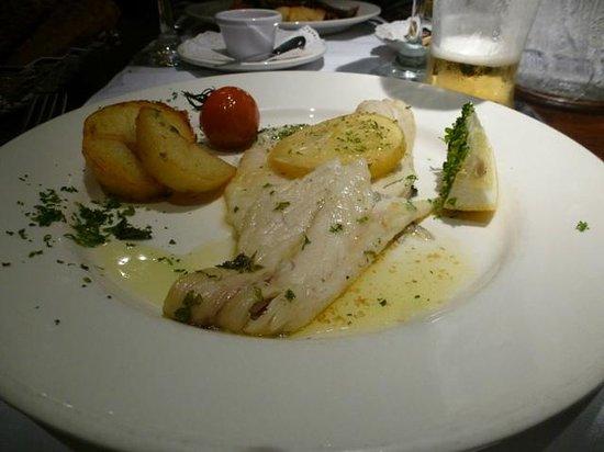 Park Hotel & Leisure Centre : Fish main (not showing veg)