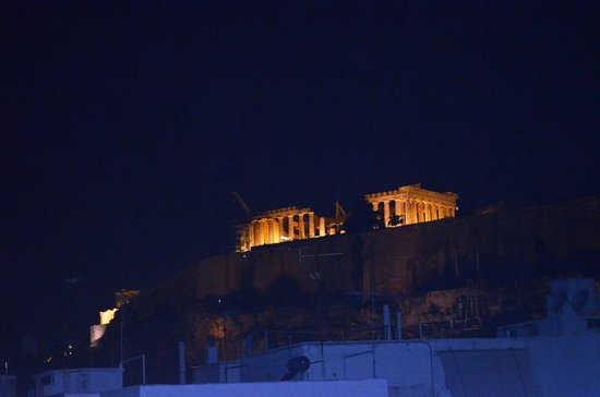 Athens Backpackers: View from the roof top bar !