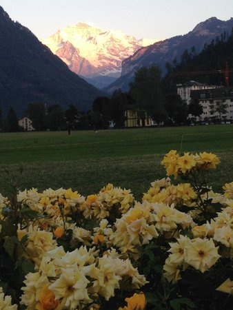 Hotel Royal St. Georges Interlaken - MGallery Collection : por do sol em interlaken