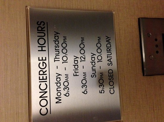 Albuquerque Marriott: Concierge lounge hours