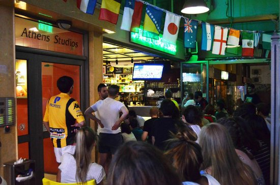 Athens Backpackers: The Sports bar