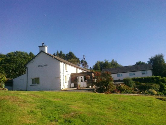 Brynllydan Country Guest House