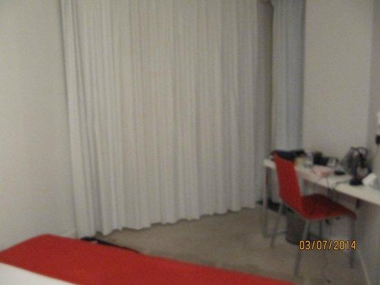 Hipark Design Suites Nice: bedroom of suite