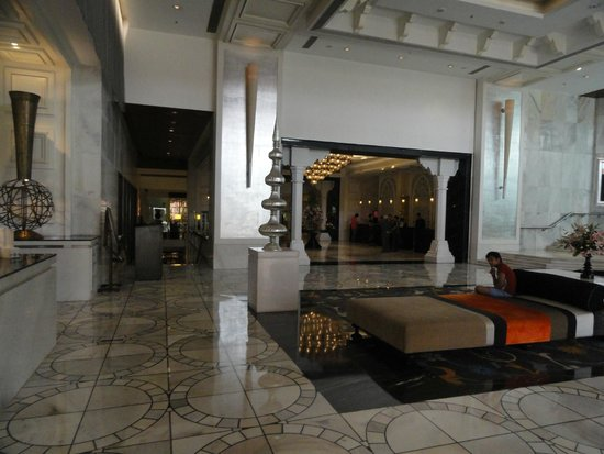 ITC Mughal, Agra: Entry Lounge Area