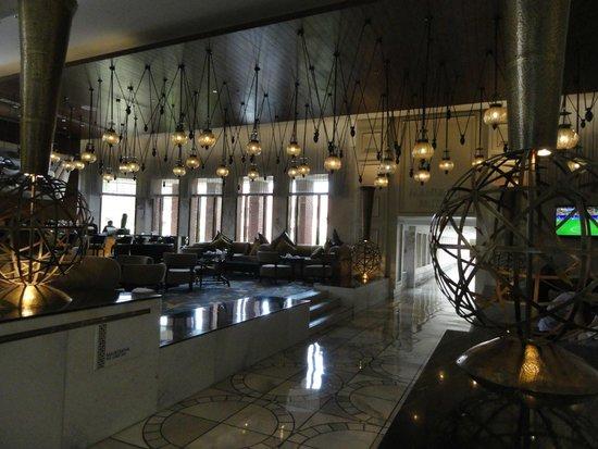 ITC Mughal, Agra: Bar and sitting Area