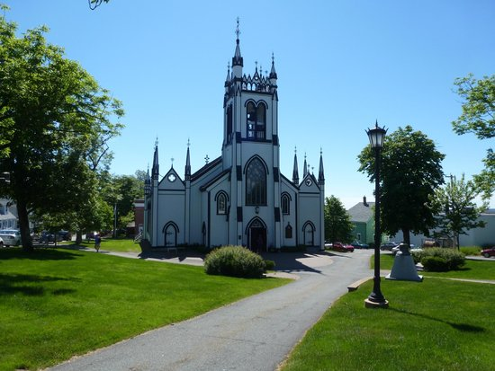 Lunenburg Walking Tours : St. John's Anglican Church