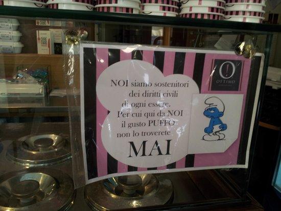 Ottimo: No al gelato al gusto puffo