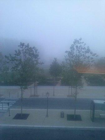 BEST WESTERN Hôtel de la Brèche : linda manhã com nevoeiro