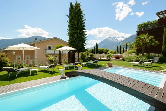 Photo of Hotel Alpenhof Tirolo