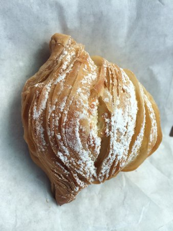 Vittoria's Italian Coffee & Pastry: Sfogliatelle- pastry with ricotta and orange zest filling. Yummy!
