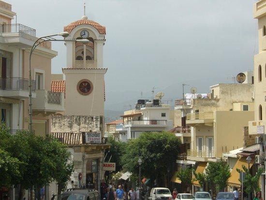 Minos Beach art hotel: Aghios Nikolaos town