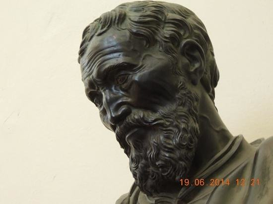 Accademia Gallery: bust of Michelangelo