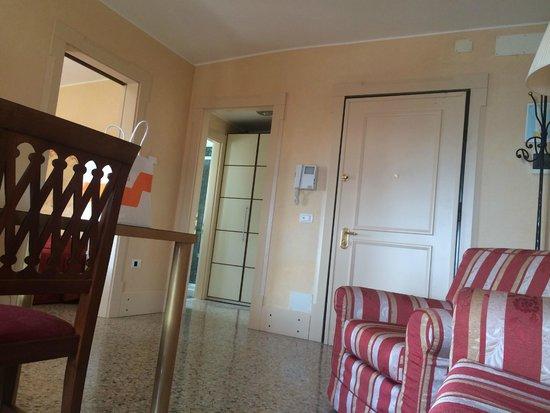 Residenza Grandi Vedute: Living Dining Area