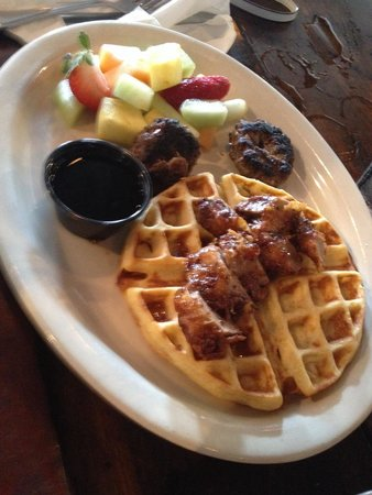 B Matthew's Eatery : Duck and waffles