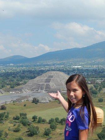 Pyramid of the Sun: Teotihuacan Pyramids