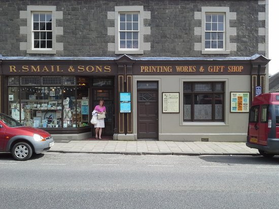Innerleithen, UK: shop front