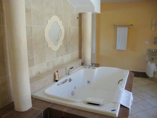 Paradisus Varadero Resort & Spa: bañera suite
