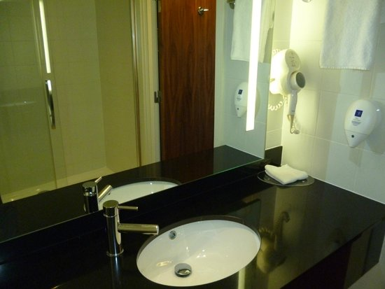Park Inn by Radisson Belfast : Buen baño