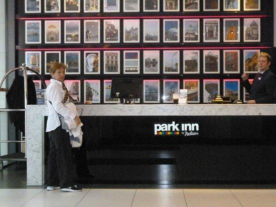 Park Inn by Radisson Belfast : Recepción