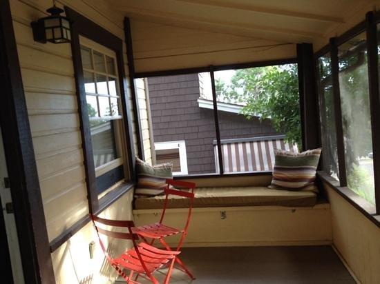 Colorado Chautauqua Lodging: front porch cabin 19