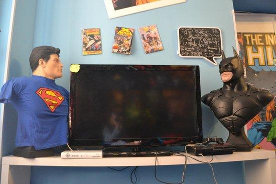 Comics guesthouse: LIVING