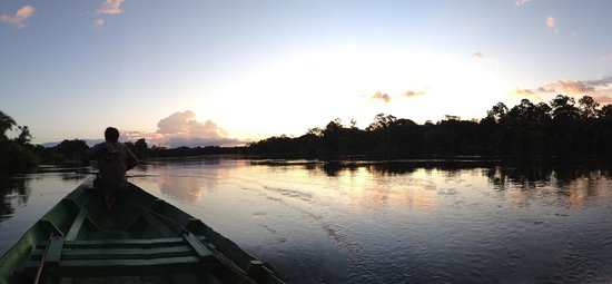 Amazon Turtle Lodge : Stillness as the sunsets over the river