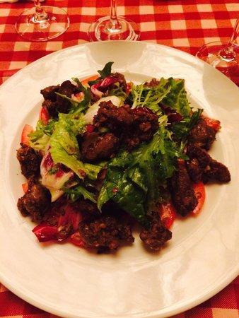 Le Beaujolais : Chicken liver salad