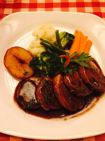 Le Beaujolais: Duck with hurb