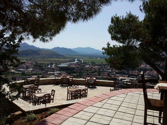 Hotel Platani: Crkvina Platani