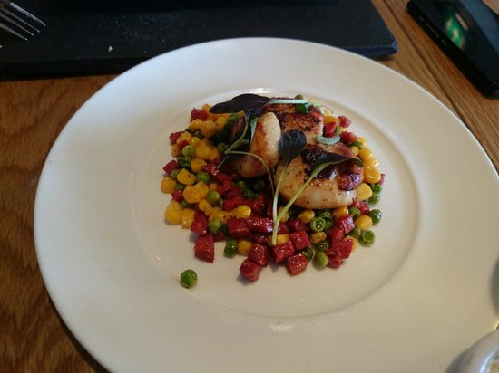 The Cricket Inn: £9 for three poxy scallops on some cheap sweetcorn, peas and pepperami rip off doesn't come clos