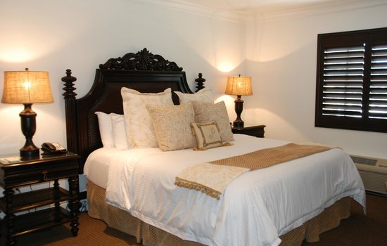 Inn On The Lakes: Presidential Suite Bedroom