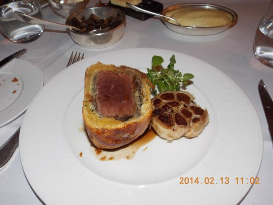 The Savoy Grill : Beef Wellington