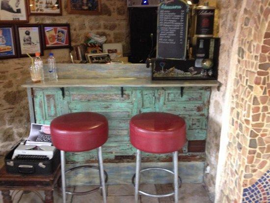 Raxati Cafe: Dj