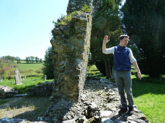 Irish Day Tours: Jumping Wall