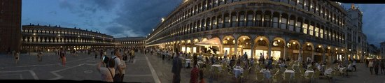 St. Mark's Square: Band is worth watching - without having a drink