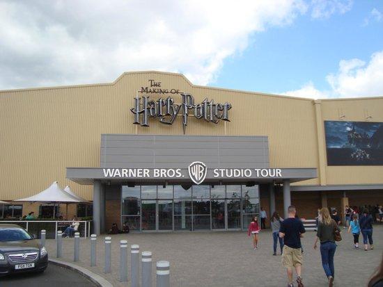 Warner Bros. Studio Tour London - The Making of Harry Potter : Entrance