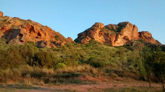Red Stone Hills: Just behind our cottage