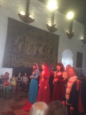 Bunratty Castle Medieval Banquet: Singers