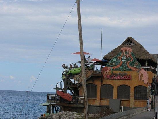 Royal Decameron Montego Beach : Hip Strip