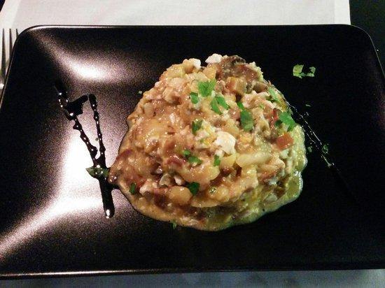 Restaurante Agape: Huevos rotos con hongos y patatas a lo pobre