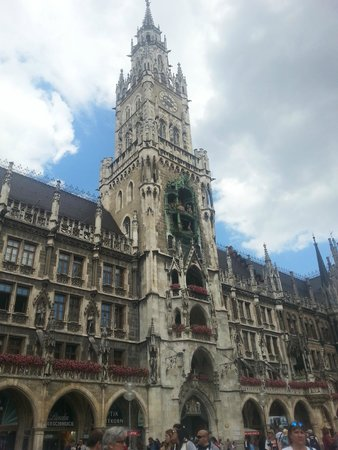 Neues Rathaus: New Town Hall