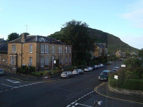Dunedin Guest House: View of Arthur's Seat