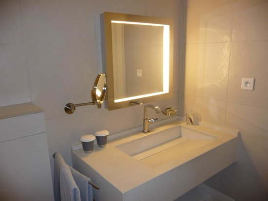 Hotel Genovese : Salle de bains