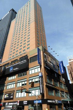 Novotel New York Times Square : Hotel moderno y confortable
