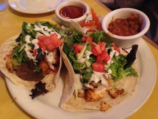 Betty's Beach Cafe : Grilled ono fish tacos