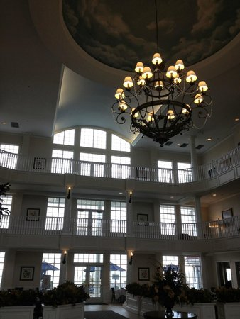 Blue Harbor Resort : Lobby of the hotel.