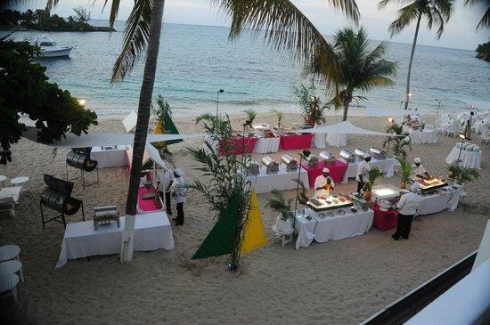 S Tower Isle The Beach Buffet Setup One Night