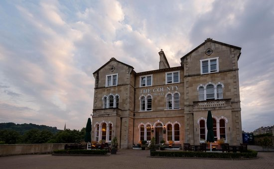The County Hotel: Front of hotel