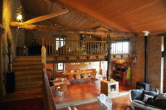 l 39 ancienne grange restaur e en grand s jour photo de so arts les sseintes tripadvisor. Black Bedroom Furniture Sets. Home Design Ideas